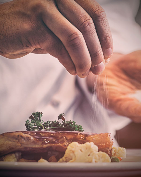 reservar grupos en nicoletta modern italian kitchen